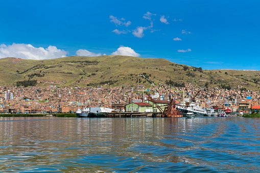 Peru「Puno town on Peruvian shore of Titicaca lake, Peru」:スマホ壁紙(12)