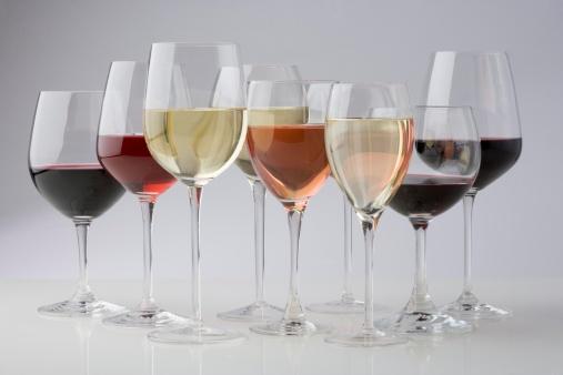 Tasting「Closeup of glasses of different wines」:スマホ壁紙(1)