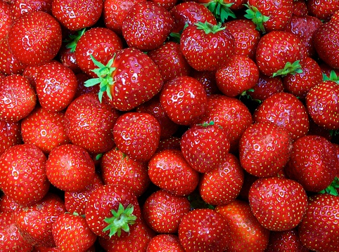 Strawberry「Close-up of fresh strawberries」:スマホ壁紙(7)