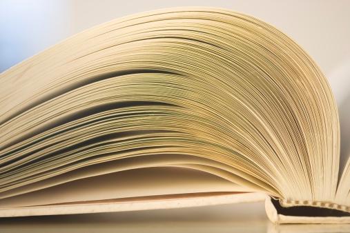 Printout「Closeup of an open book」:スマホ壁紙(2)