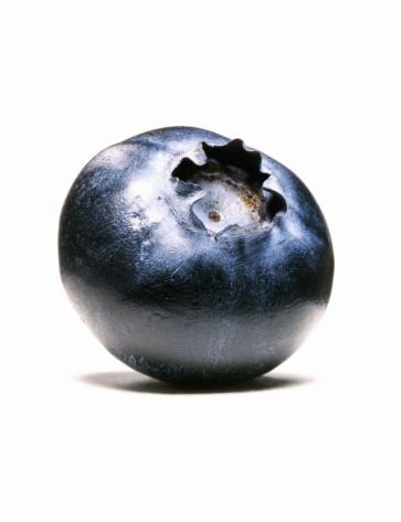 Blueberry「Close-Up of single blueberry」:スマホ壁紙(11)