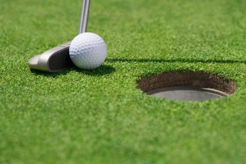 Golf Ball「Close-up of golf ball and club near cup」:スマホ壁紙(15)