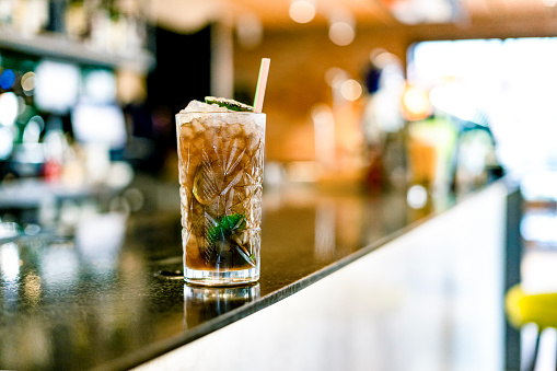 Bar Counter「Close-up of cocktail on counter of a bar」:スマホ壁紙(3)