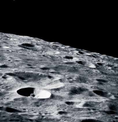 Moon「close-up of the surface of the moon」:スマホ壁紙(1)