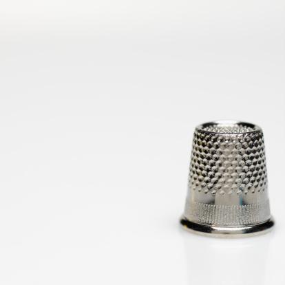 Sewing「Close-up of a thimble」:スマホ壁紙(14)
