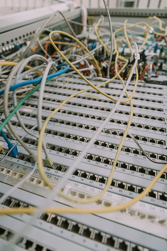 Data Center「Close-up of cables in computer equipment at data center」:スマホ壁紙(11)
