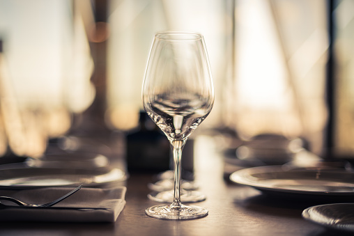 Wineglass「Close-up of place settings on a table」:スマホ壁紙(8)