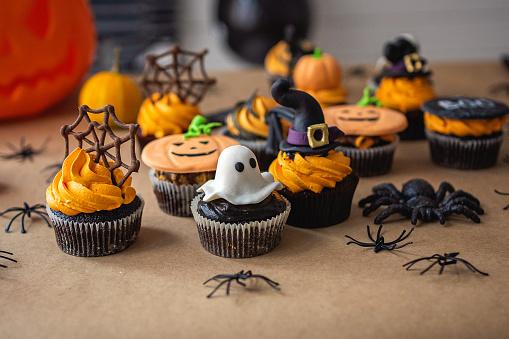 Halloween ghost「Close-up of Halloween party dessert」:スマホ壁紙(15)