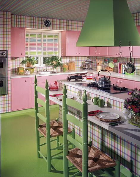 Home Decor「Pink & Green Model Kitchen」:写真・画像(1)[壁紙.com]