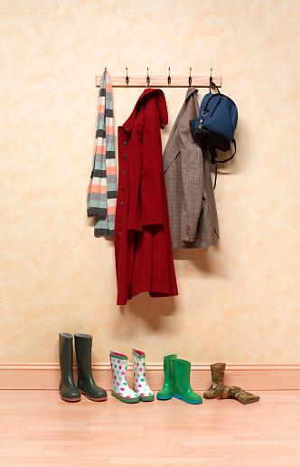 Rack「Family coat rack」:スマホ壁紙(2)