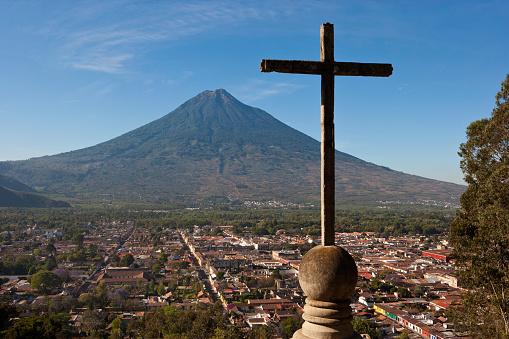 アグア火山「Antigua and Agua Volcano from Cerro de la Cruz in Guatemala」:スマホ壁紙(8)