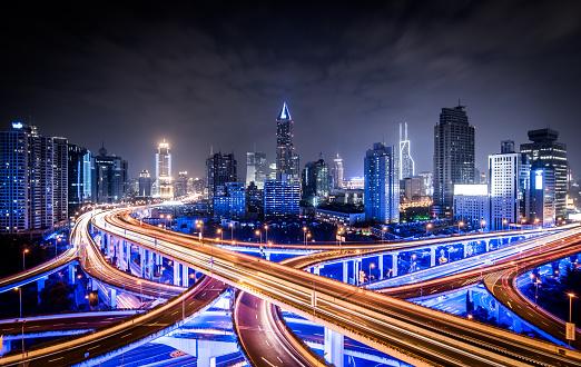 Prosperity「Road intersection at night」:スマホ壁紙(12)