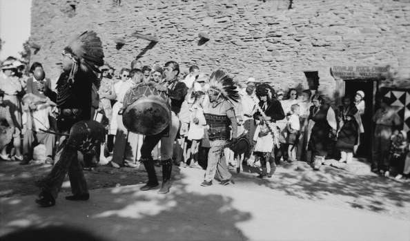 Rug「Navajo Indians In Tribal Dance」:写真・画像(12)[壁紙.com]