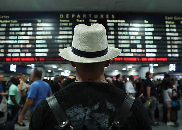 Travel「Holiday Travelers Leave New York For Labor Day Weekend」:写真・画像(1)[壁紙.com]