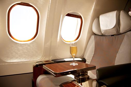 Business Travel「A business class seat on an airplane」:スマホ壁紙(0)