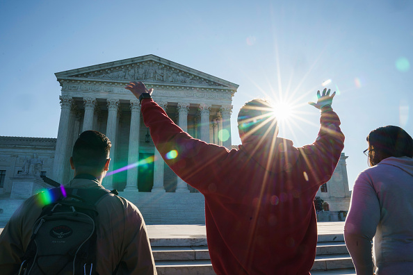 US Supreme Court Building「Supreme Court Begins New Term As Nomination Process Continues For New Justice」:写真・画像(15)[壁紙.com]