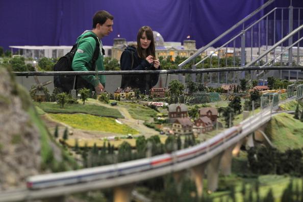 Offbeat「LOXX Miniature Train Landscape Recreates Central Berlin」:写真・画像(16)[壁紙.com]