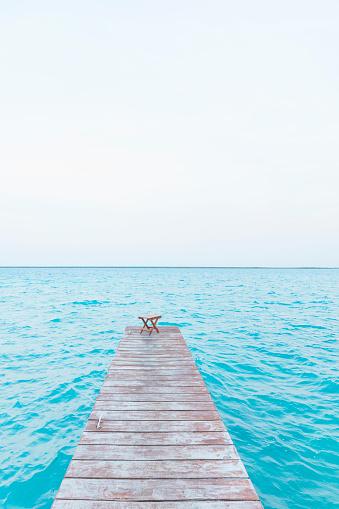 Pier「Mexiko, Yucatan, Quintana Roo, lagoon of Bacalar, jetty leading into water」:スマホ壁紙(17)