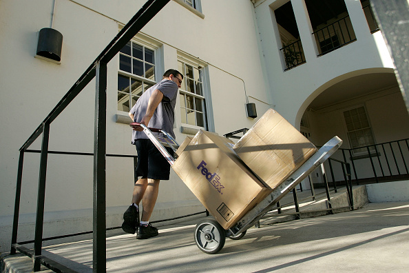 Box - Container「FedEx Delivers Packages As Holiday Shopping Season Continues」:写真・画像(8)[壁紙.com]