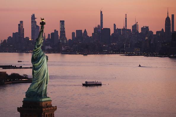 ニューヨーク市「New York City Deals With Rise In Coronavirus Cases, As Mayor Considers Shelter-In-Place Order」:写真・画像(7)[壁紙.com]