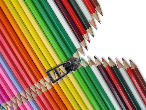Postmodern「Colored Pencil Crayons with Zipper」:スマホ壁紙(12)