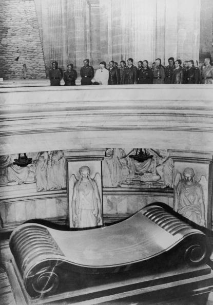 Paris - France「Hitler In Paris」:写真・画像(17)[壁紙.com]