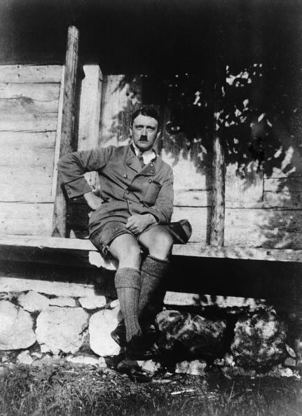 Shorts「Hitler On Holiday」:写真・画像(8)[壁紙.com]