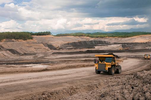 Construction Vehicle「Mining」:スマホ壁紙(3)
