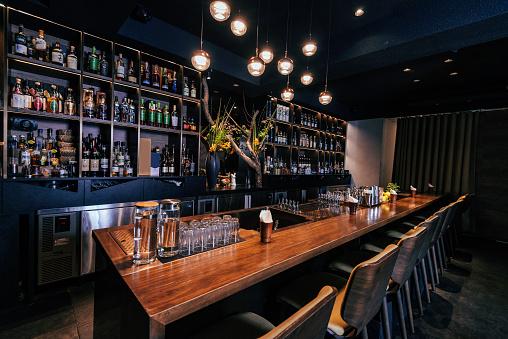 Bar Counter「Modern empty night bar, wide angle shot」:スマホ壁紙(10)