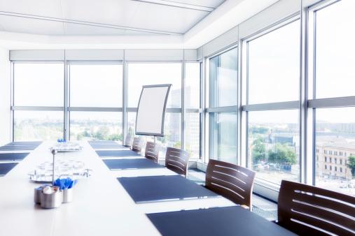 Cool Attitude「Modern Empty Conference Room」:スマホ壁紙(10)