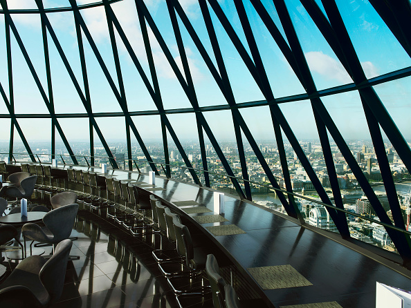 skyscraper「View from restaurant at the top of 30 St Mary Axe, or the Gherkin, London, UK」:写真・画像(16)[壁紙.com]
