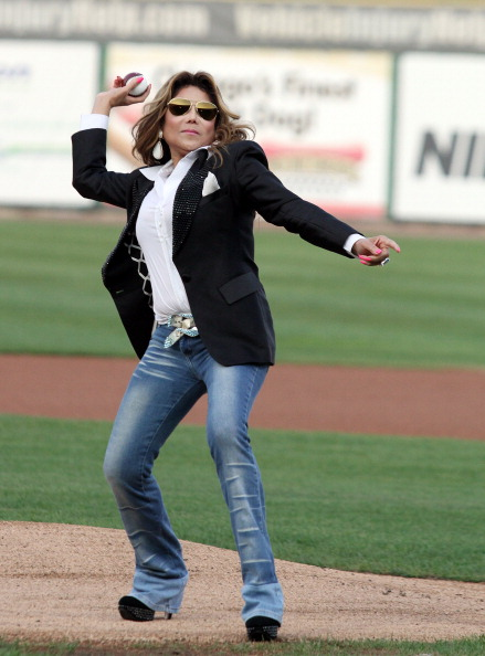 High Heels「Goin' Back To Indiana: Can You Feel It - The St. Paul Saints Vs. The Gary SouthShore RailCats」:写真・画像(3)[壁紙.com]