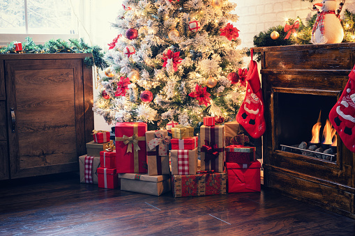 Christmas Decoration「Decorated Christmas Tree Near Fireplace at Home」:スマホ壁紙(13)