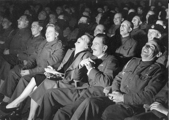 Laughing「Laughing Audience」:写真・画像(12)[壁紙.com]