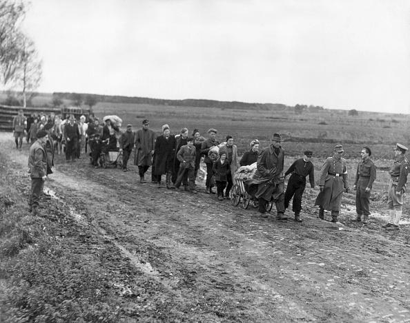 Civilian「Postwar German Refugees」:写真・画像(18)[壁紙.com]