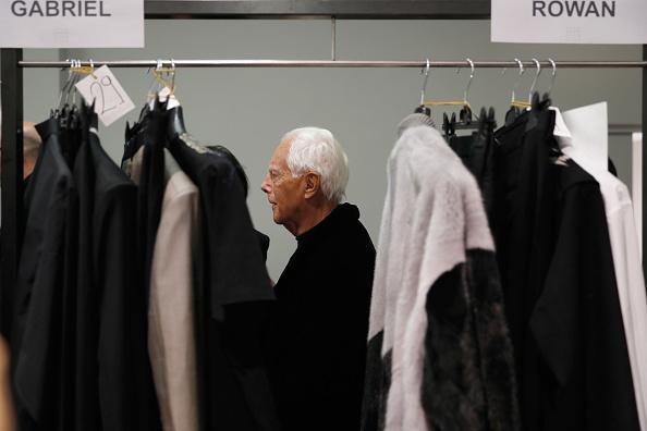Giorgio Armani - Designer Label「Yoshio Kubo / Moto Guo / Consistence - Backstage - Milan Men's Fashion Week Fall/Winter 2017/18」:写真・画像(15)[壁紙.com]