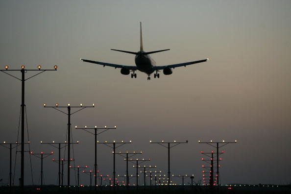 Airport「U.S. Airline Industry Struggles Through Turbulent Times」:写真・画像(1)[壁紙.com]