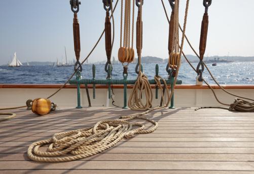 Sailing Ship「Classic Sailing yacht deck and view」:スマホ壁紙(10)