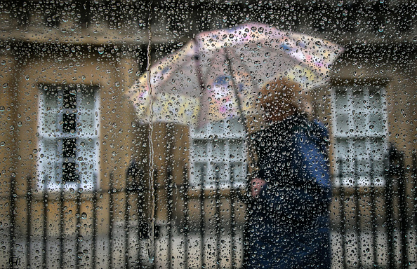 Shower「Wind And Rain Hit The UK」:写真・画像(1)[壁紙.com]
