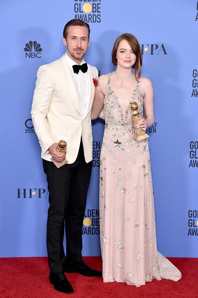 Emma Stone「74th Annual Golden Globe Awards - Press Room」:写真・画像(18)[壁紙.com]
