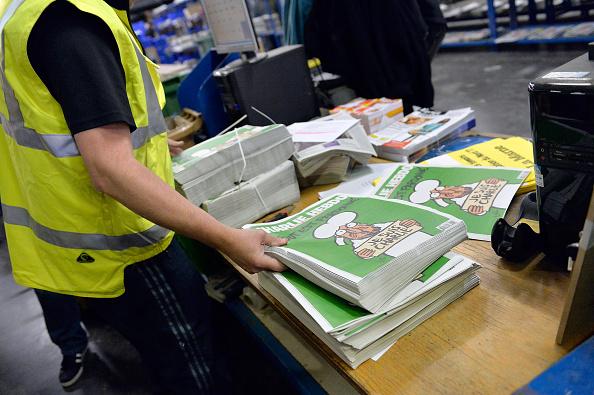 Charlie Hebdo「First International Edition Of Charlie Hebdo Published Since Paris Terror Attacks」:写真・画像(11)[壁紙.com]