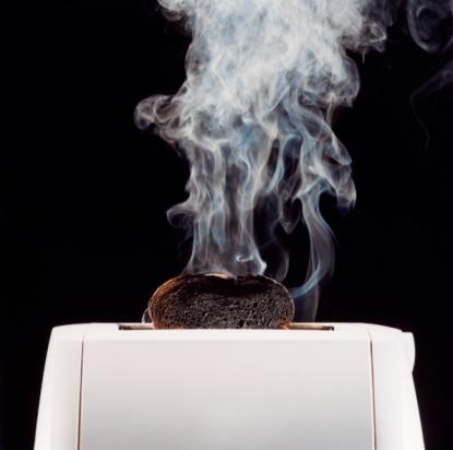 Burnt「Toast Burning in Toaster」:スマホ壁紙(13)