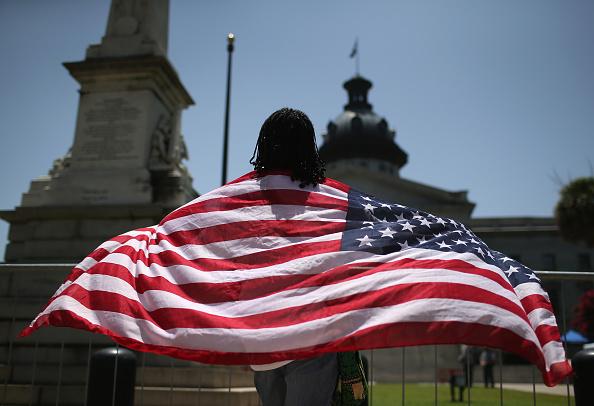 Politics「Confederate Flag Removed From South Carolina Statehouse」:写真・画像(11)[壁紙.com]