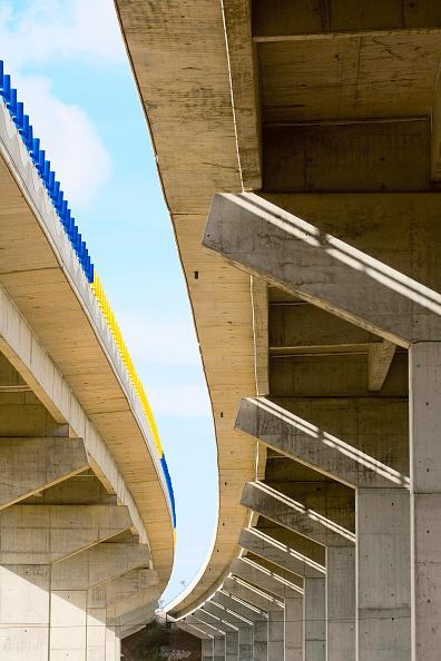 Curve「Viaduct, view from below, Portugal」:写真・画像(7)[壁紙.com]