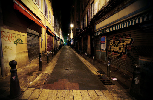 Dirty「dark alley」:スマホ壁紙(2)