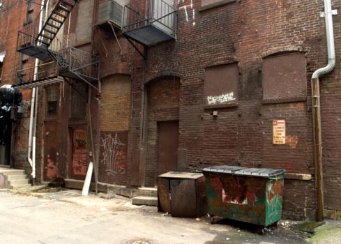 Alley「Dark Alley in a Downtown Urban Area」:スマホ壁紙(0)