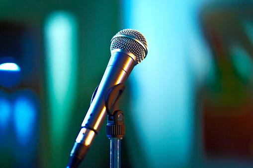 Rock Music「Microphone on stage」:スマホ壁紙(18)