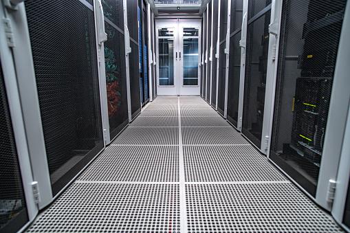 Data Center「Server room」:スマホ壁紙(0)
