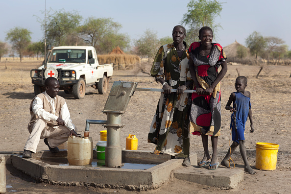 Charity and Relief Work「Collecting Water In South Sudan」:写真・画像(16)[壁紙.com]