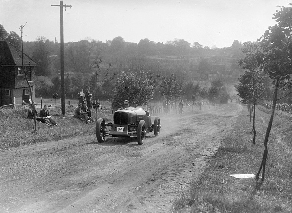 Recreational Pursuit「Bugatti Owners Club Hill Climb, Chalfont St Peter, Buckinghamshire, 1935」:写真・画像(13)[壁紙.com]